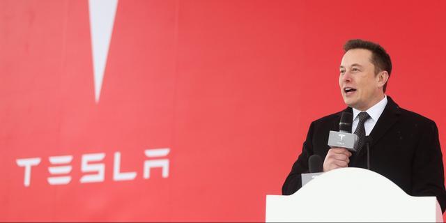 Tesla gaat mogelijk voor bredere uitrol 'volledig zelfrijdende' software