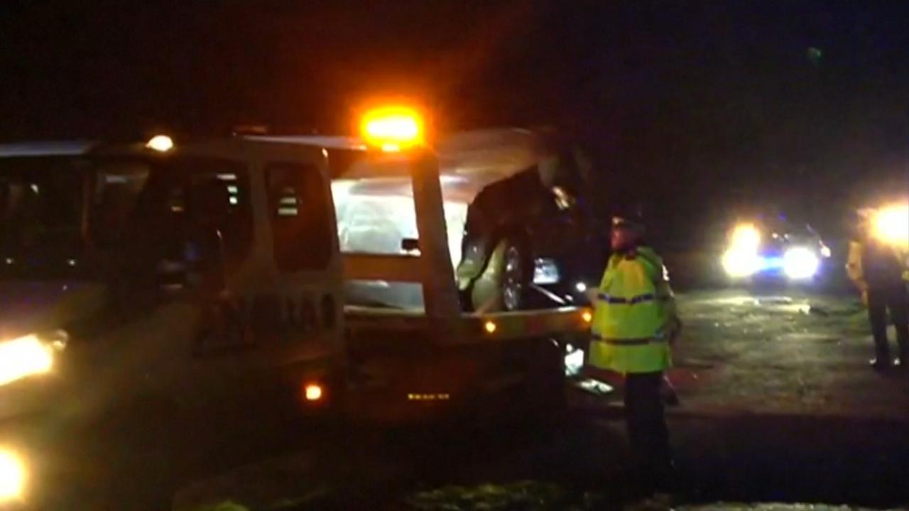 Politie takelt auto Britse prins Philip weg na ongeluk