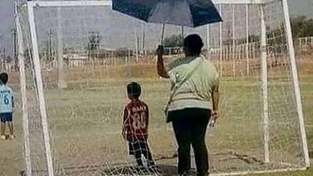 Rapper Ali B geeft een treffend voorbeeld van moederliefde. (foto: Instagram/Ali B)
