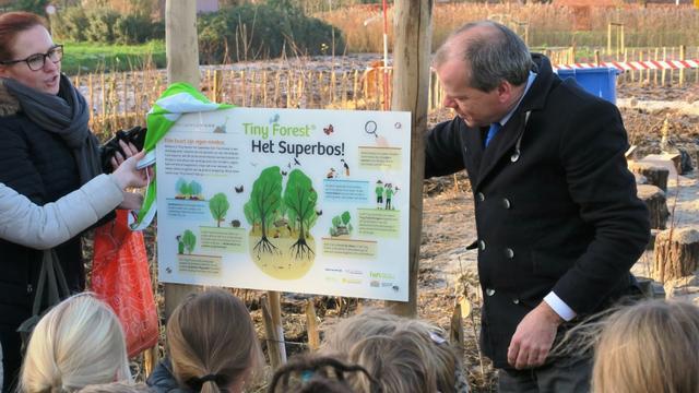 Eerste Tiny Forest in Alphen aan den Rijn geplant
