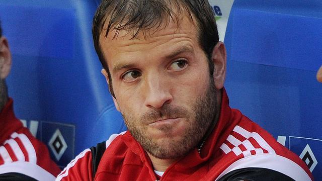 Bankzitter Van der Vaart ziet HSV gelijkspelen tegen Karlsruhe