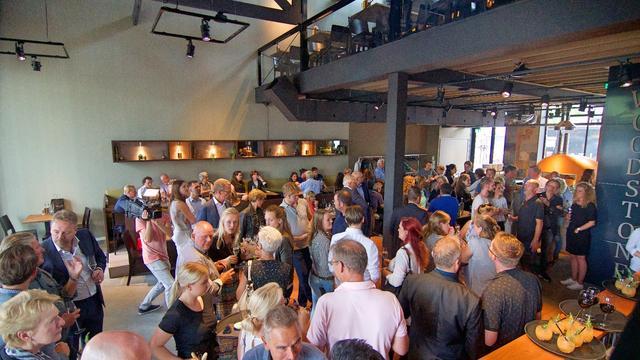 Woodstone Pizza & Wine geopend in Nutsgebouw