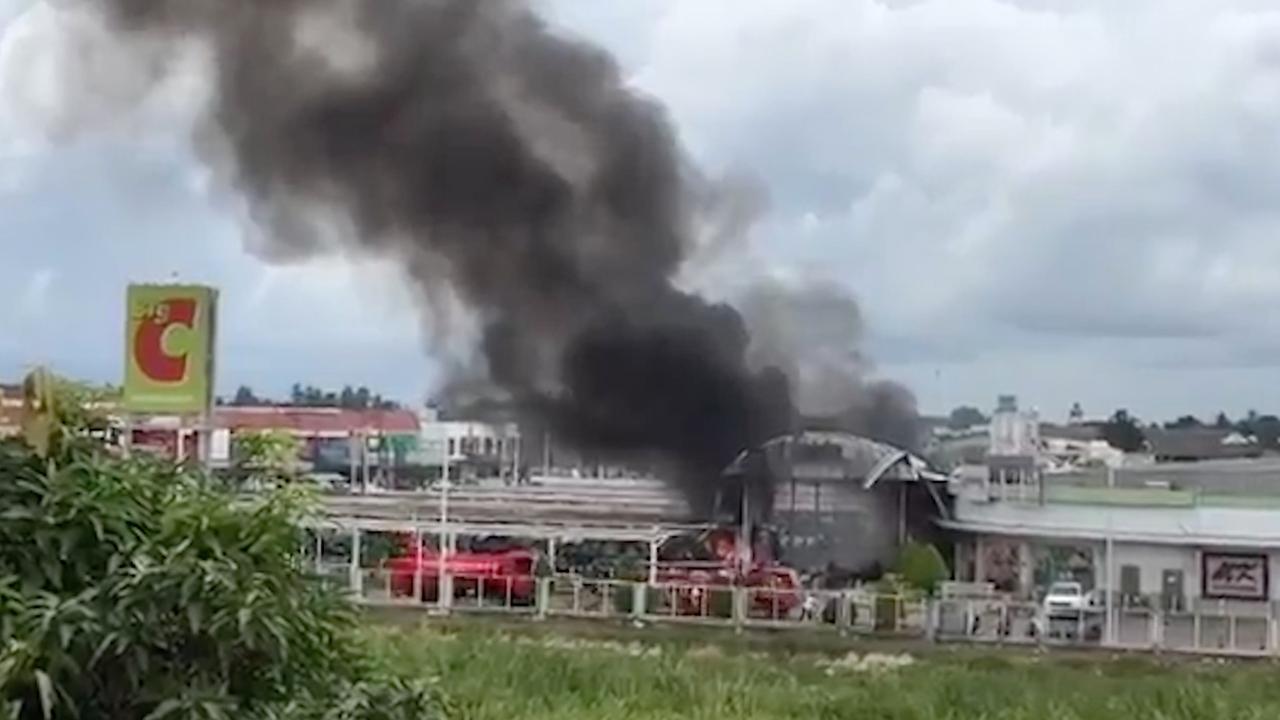 Eerste beelden van explosies in Thaise stad Pattani