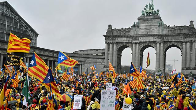 Zeker 45.000 Catalanen protesteren in Brussel