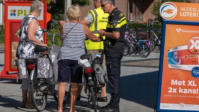 Overtreden fietsverbod in winkelcentra gaat geld kosten