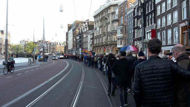 In Beeld: Mars tegen homogeweld in Amsterdam