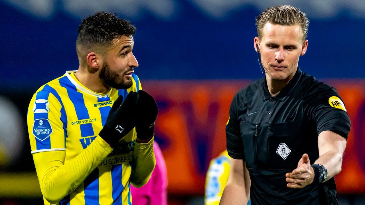 Arbiter Van der Eijk geeft toe dat late penalty bij RKC-Utrecht onterecht was - NU.nl