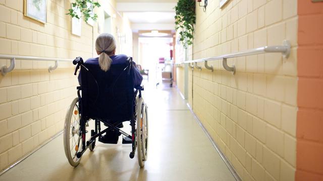 Sterfte onder bewoners verpleeghuizen begin april bijna verdubbeld