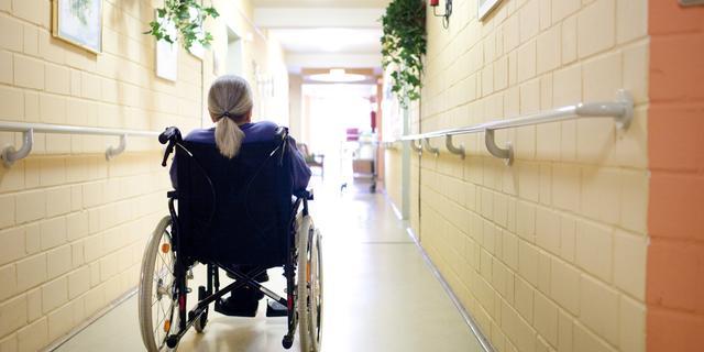 Aantal bewoners van verpleeghuizen fors afgenomen sinds begin coronacrisis