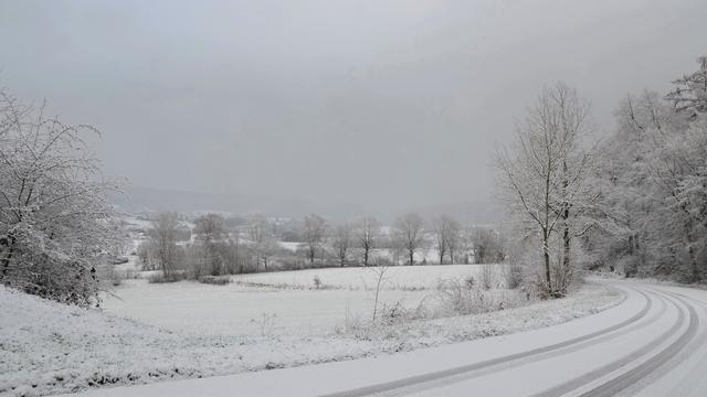 Sneeuw in Limburg en Iraanse premier bezoekt Irak