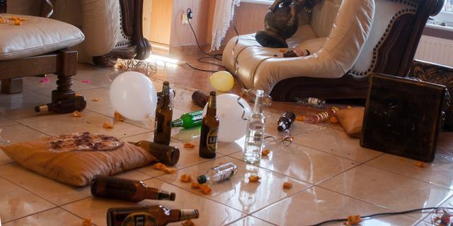 Aanhouding en 23 boetes na illegaal feest in bedrijfspand in Terneuzen