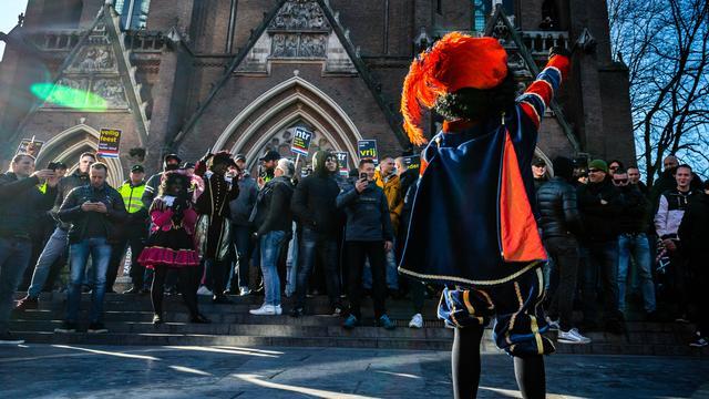 Aanhoudende Onrust In Den Haag Na Intocht Sint Gesloten Nu Het Laatste Nieuws Het Eerst Op Nu Nl
