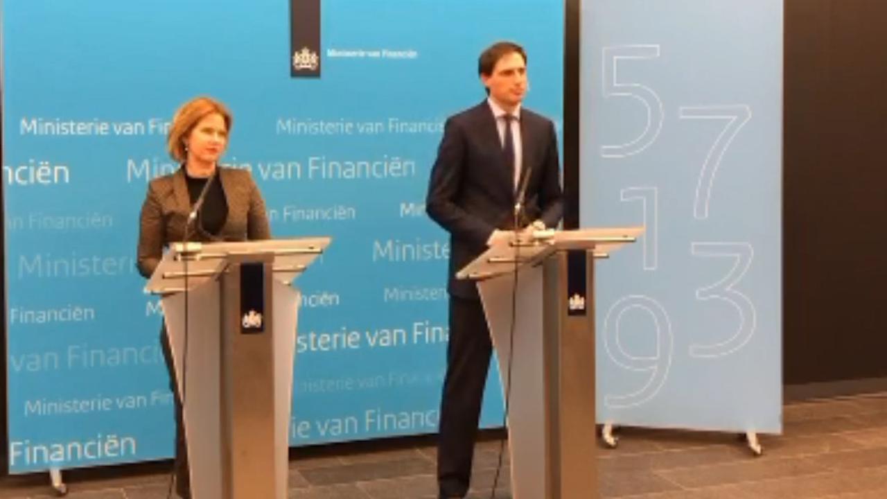 Hoekstra: 'Aandeel Air France-KLM zorgt voor extra slot op de deur'