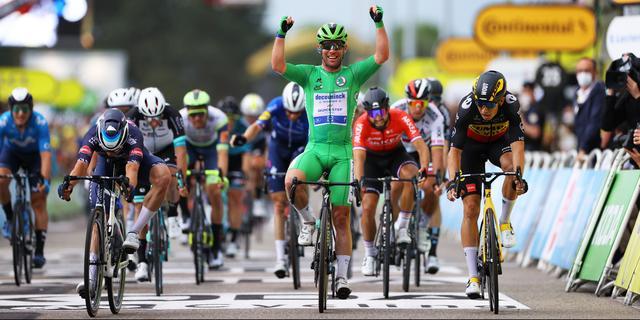 Cavendish sprint naar 33e ritzege in Tour de France en nadert record Merckx