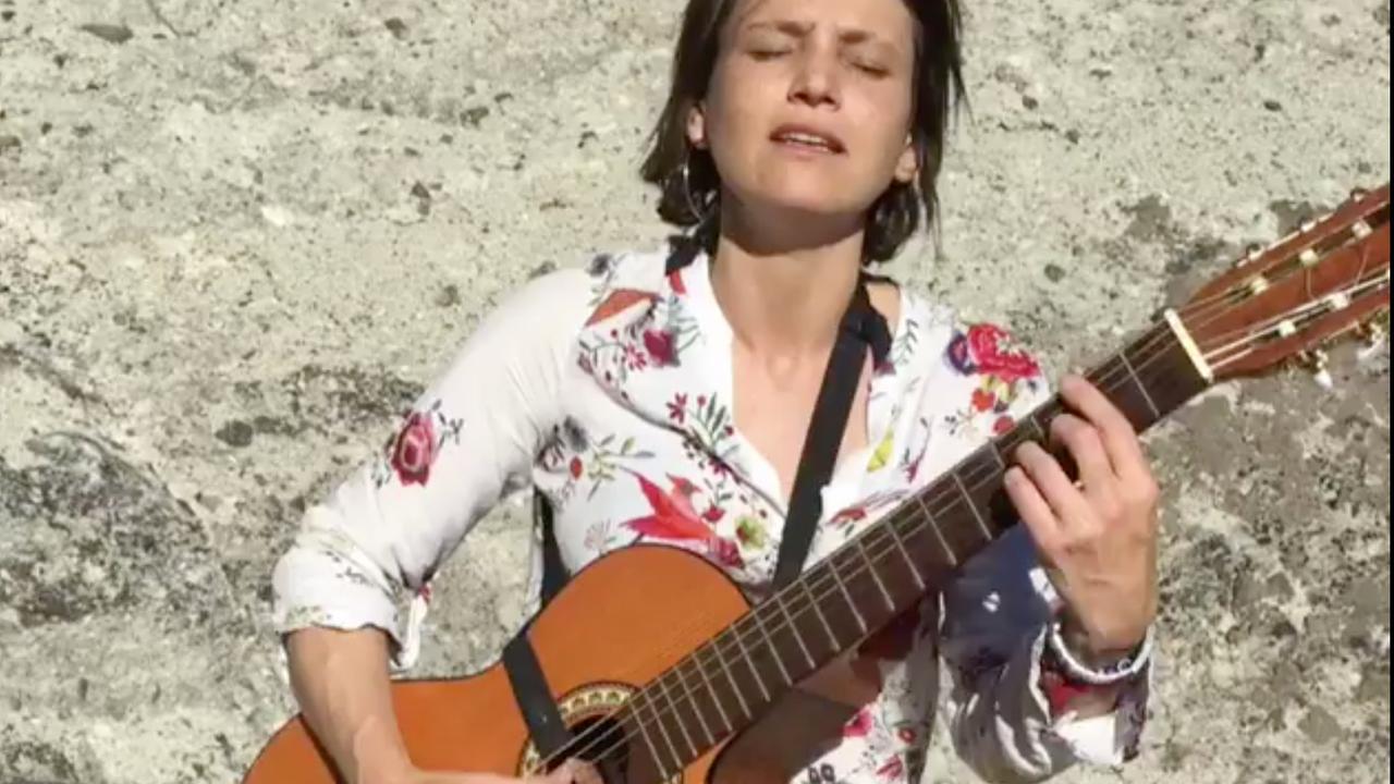 Broer Máxima deelt video van zingende jongste zus Inés Zorreguieta