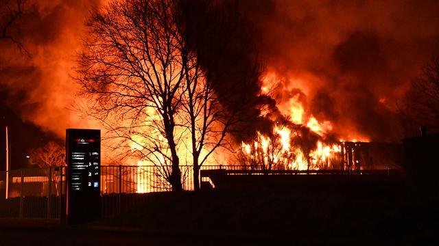 Franeker ruikt naar karamel door brand in snoepfabriek