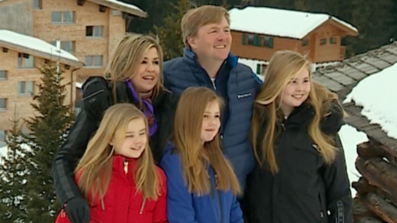 Koninklijke familie poseert voor jaarlijks persmoment in Lech