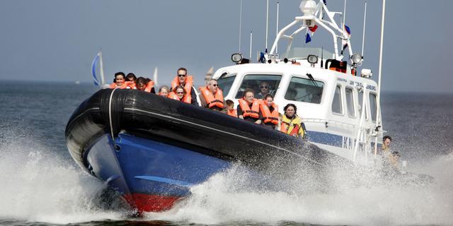 Zoektocht naar vermiste mannen op IJsselmeer voorlopig gestaakt