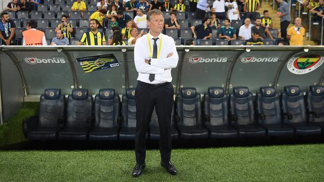 Erwin Koeman blijft voorlopig interim-trainer Fenerbahçe