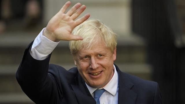 Dit schrijven de Britse kranten over Johnson: 'Dude, don't panic'