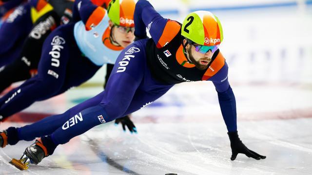 NK-titel voor shorttrackers Breeuwsma en Van Kerkhof, blessure Knegt