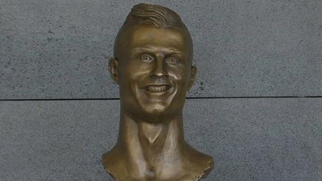 'Mislukt' beeld Ronaldo op Portugees vliegveld vervangen