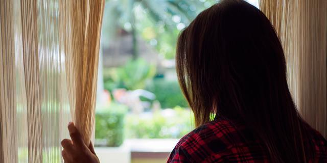 Loverboys slaan steeds vaker online toe, palmen slachtoffers minder in