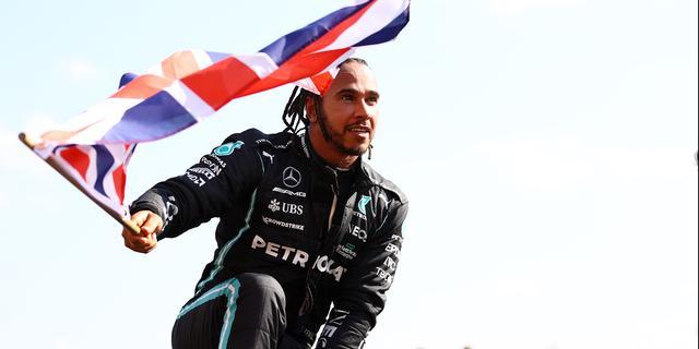 Hamilton racistisch bejegend op sociale media na crash met Verstappen