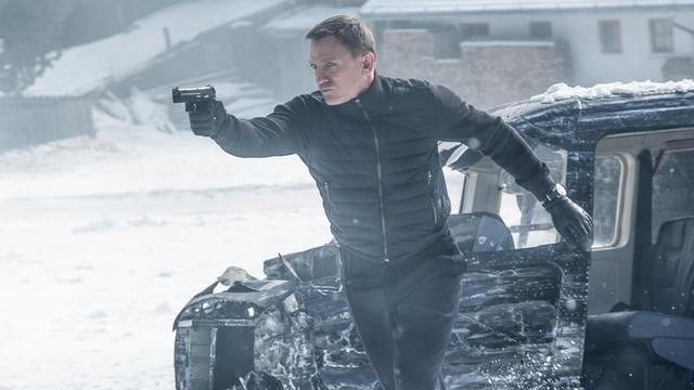 Gadgets, schurken, verre reizen: Hoe James Bond vertrouwd én modern blijft