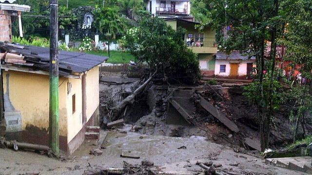 Dodental aardverschuiving Colombia loopt op