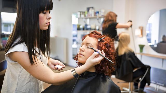 Ook werktijdverkorting voor kappers en schoonheidsspecialisten