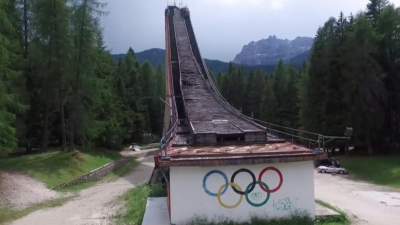 Drie Olympische winterparken die nu compleet verlaten zijn