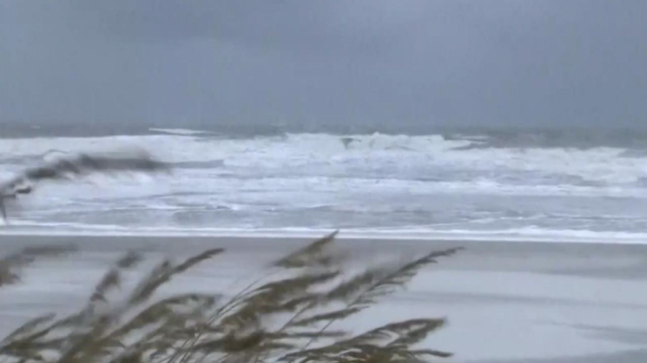 Live: Orkaan Dorian zorgt voor wilde zee bij Florida