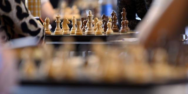 Kort geding over coronapas bij NK schaken gaat door, devaluatie dreigt