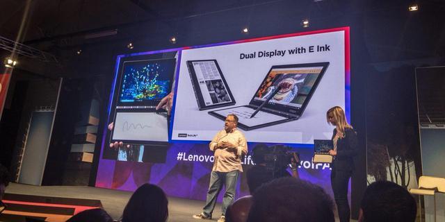Lenovo toont laptop met e-inkscherm in plaats van toetsenbord