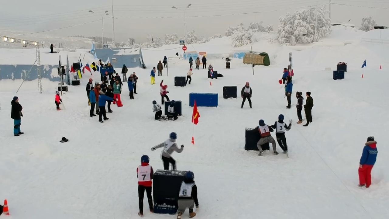 'Sneeuwballengevecht met spelregels' officiële sport uit Japan