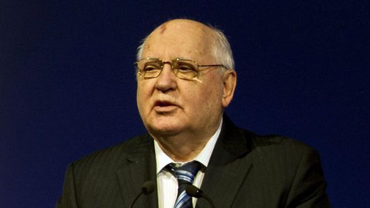 Gorbatsjov waarschuwt voor nieuwe Koude Oorlog