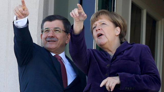 Europese topdelegatie naar Turkije, laatste filiaal V&D sluit
