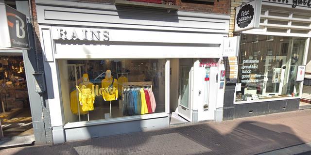 Regenkledingmerk Rains opent conceptstore aan de Choorstraat