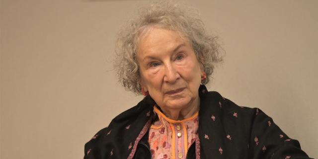 Handmaid's Tale-schrijver Margaret Atwood werkt aan korte verhalen