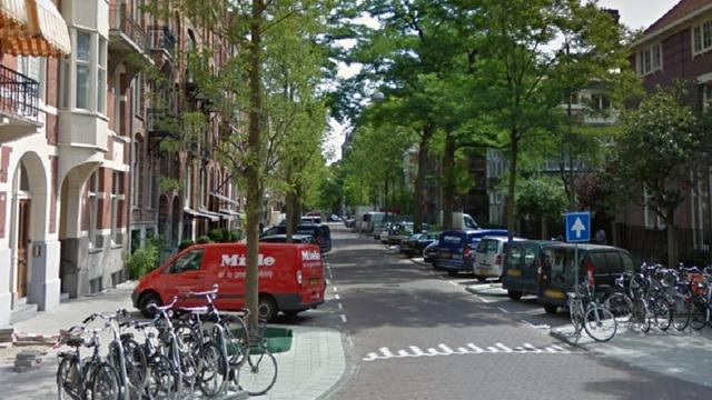 Krakers bezetten leegstaand deel van pand in Amsterdam Zuid