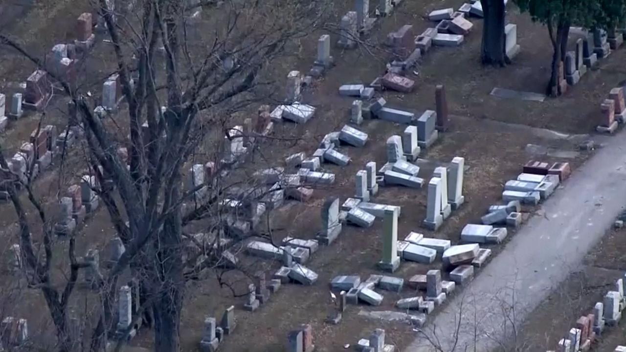 Tientallen graven vernield op Joodse begraafplaats VS