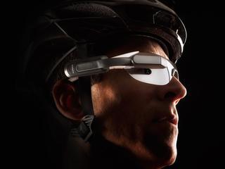 Apparaat geeft ook informatie over dingen als de route en de prestaties van de fietser