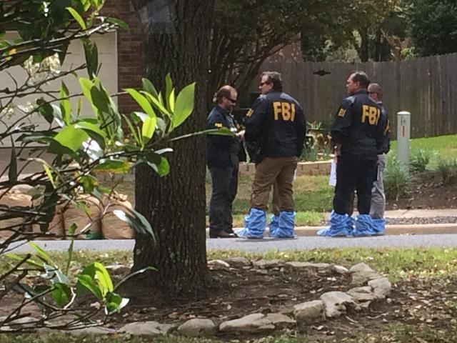Vermoedelijke dader van sturen bompakketjes in Texas blaast zichzelf op