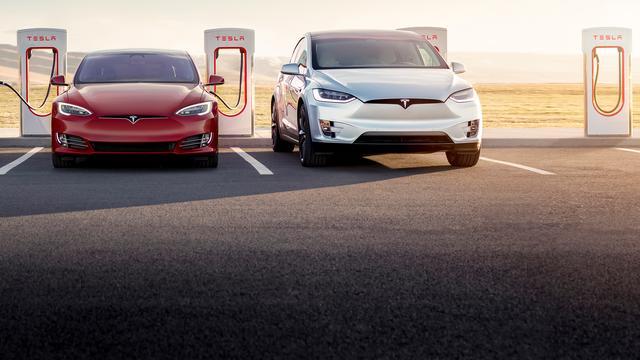 Tesla-rijders hoeven minder lang te wachten bij nieuwe Superchargers