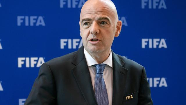 FIFA-voorzitter Infantino hoopt op video-arbitrage bij WK 2018