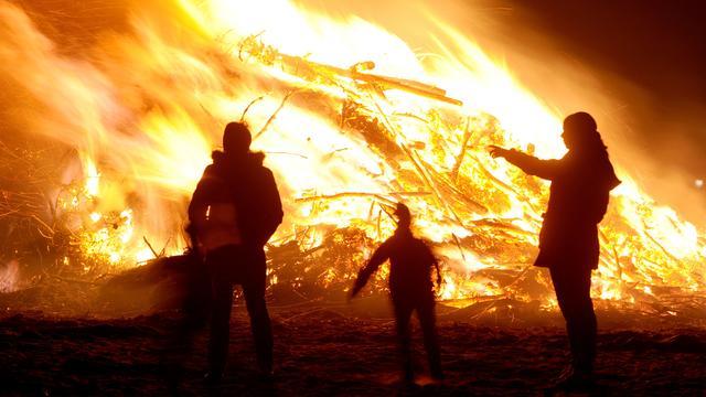 Brandweer: Paasvuren in Noord-Nederland te risicovol door droogte