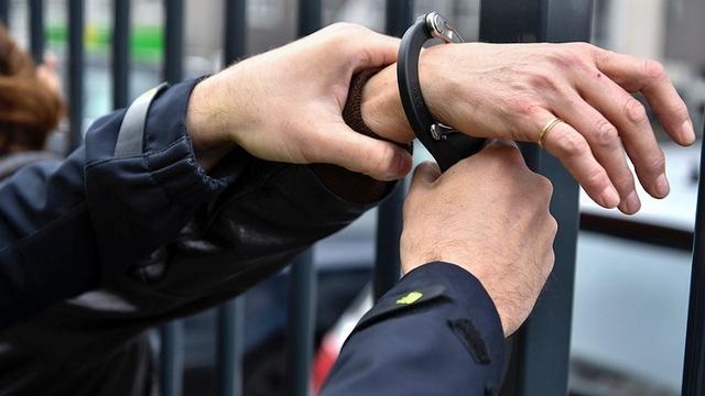 Politie houdt verdachte vlak bij politiebureau aan in Etten-Leur