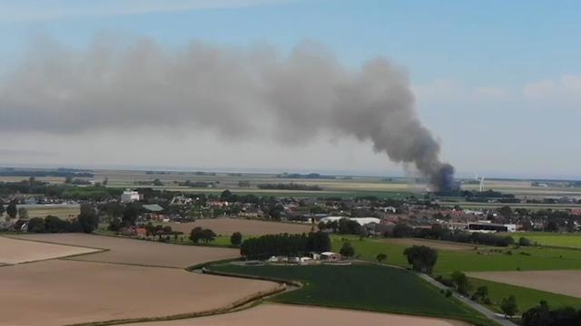 Dronebeelden van brand in aardappelloods Uithuizermeeden