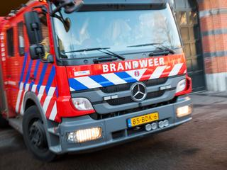 Een persoon nagekeken in ambulance